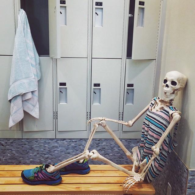 vida-diaria-esqueleto-instagram- (4)