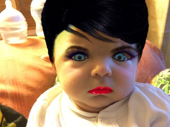 Esta madre probó una aplicación de maquillaje en su hijo de 7 semanas