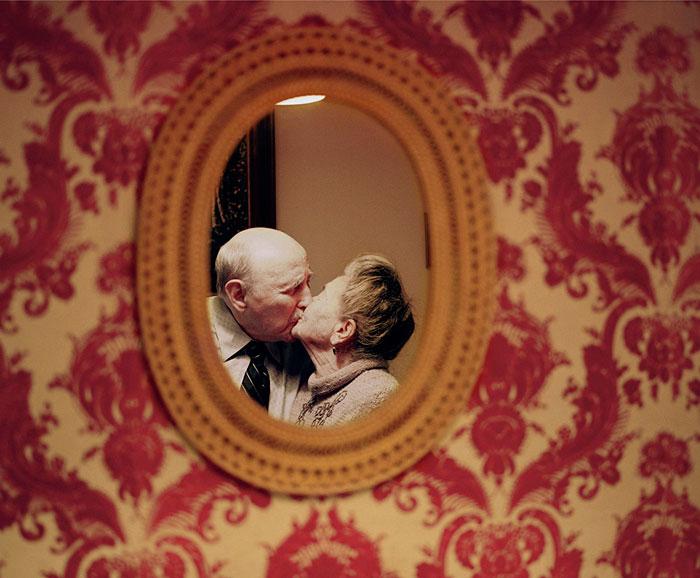 Enamorados durante más de 50 años: Esta fotógrafa retrata el amor de parejas ancianas
