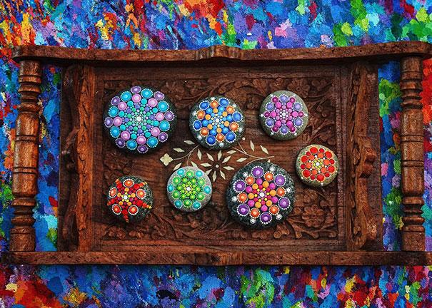 piedras-mandalas-pintados-elspeth-mclean (5)