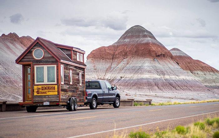 Renunciamos a nuestros trabajos, construimos una casita sobre ruedas y nos fuimos de viaje