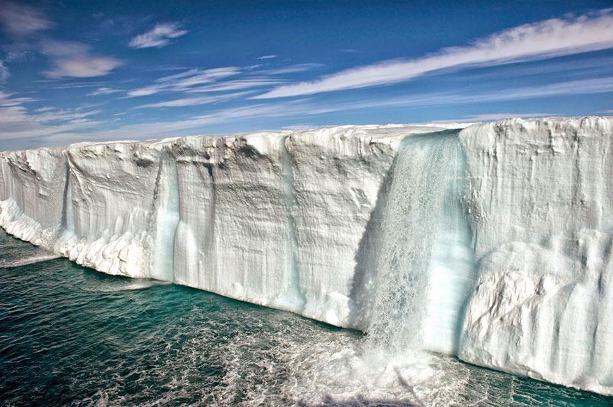 contaminacion-planeta-sobredesarrollo-sobrepoblacion-exceso (1)