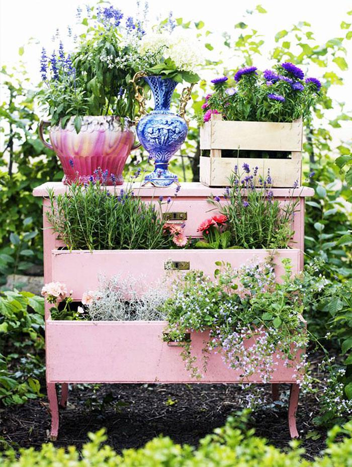 muebles-viejos-reciclados-jardin (1)