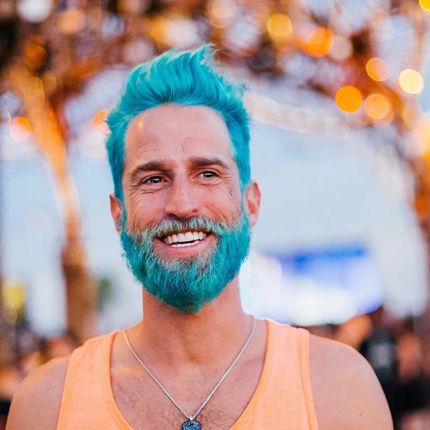 moda-hombres-tinte-pelo-barba-sirenos (5)