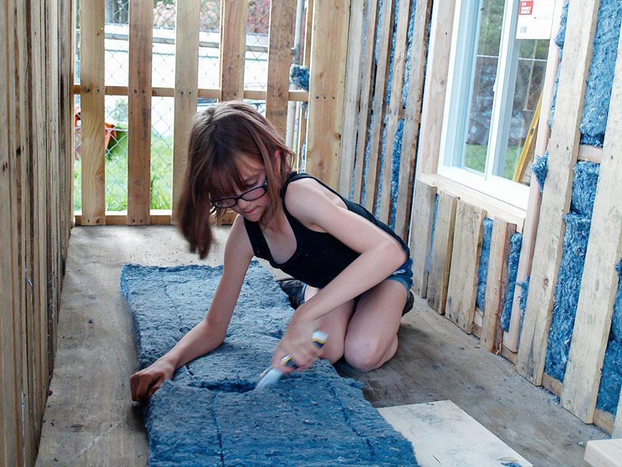 nina-construye-refugios-moviles-indigentes-hailey-fort (4)