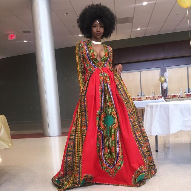 Esta adolescente diseña su propio vestido contra el bullying y se convierte en la reina de la graduación
