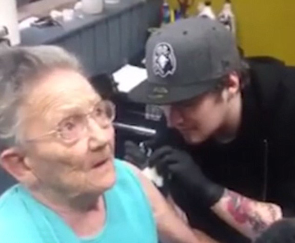 anciana-escapa-residencia-primer-tatuaje (1)