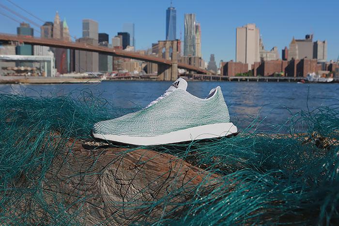 Adidas crea unas deportivas con basura oceánica y redes de pesca ilegales