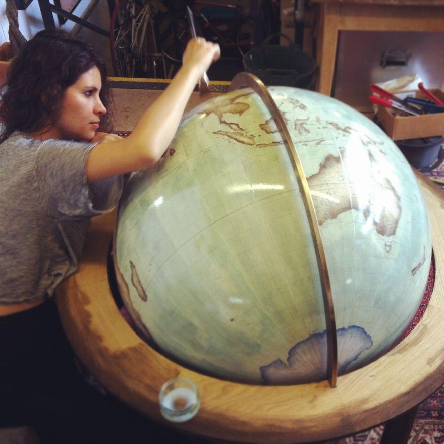 ultimo-fabricante-globos-terraqueos-artesanos-bellerby-globemakers (16)