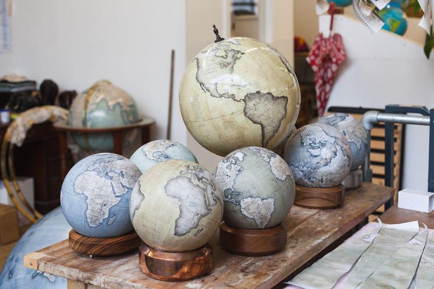 ultimo-fabricante-globos-terraqueos-artesanos-bellerby-globemakers (19)