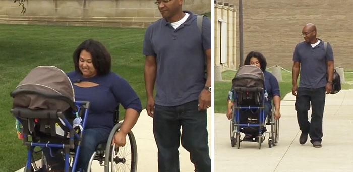 Este adolescente diseña un carrito de bebés para una madre parapléjica en silla de ruedas