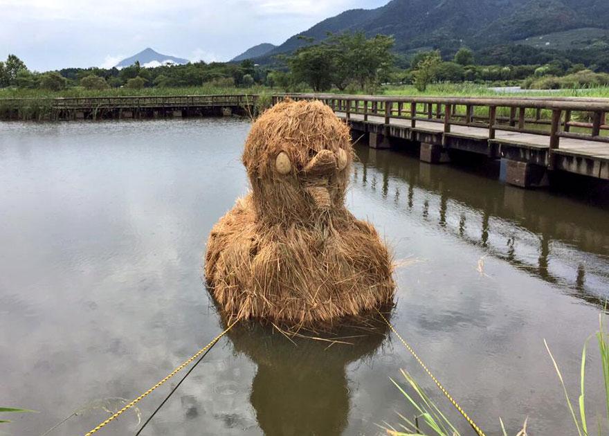 esculturas-paja-festival-wara-niigata-japon (12)