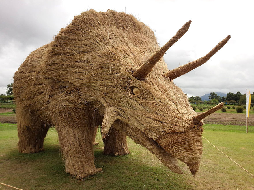 esculturas-paja-festival-wara-niigata-japon (2)