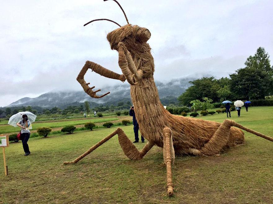 esculturas-paja-festival-wara-niigata-japon (4)