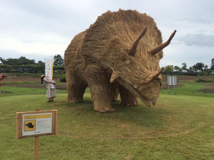 esculturas-paja-festival-wara-niigata-japon (7)
