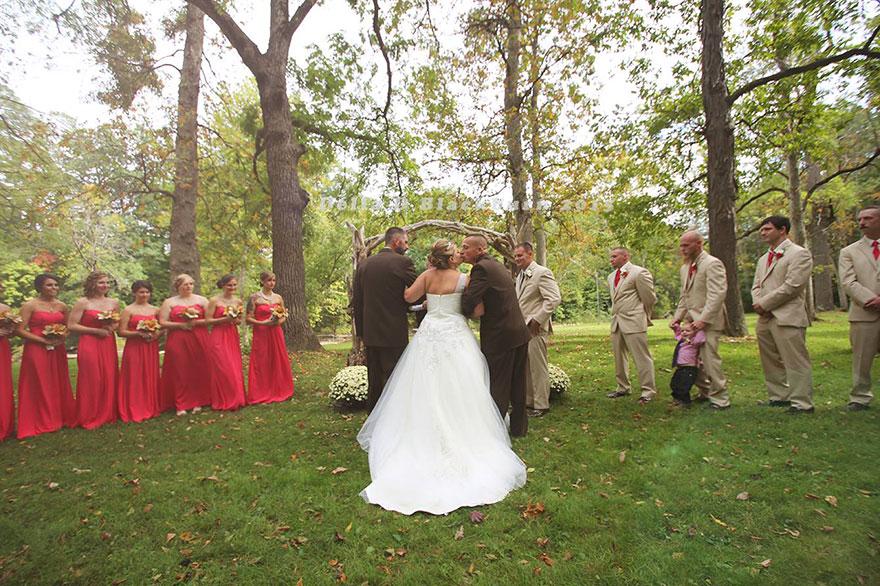 padre-padrastro-llevar-juntos-hija-altar-boda-brittany-peck (1)