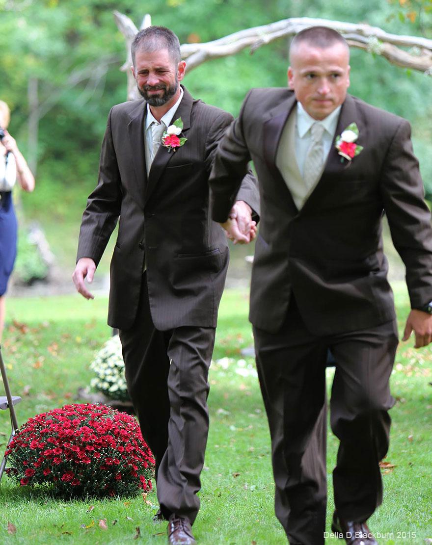 padre-padrastro-llevar-juntos-hija-altar-boda-brittany-peck (3)