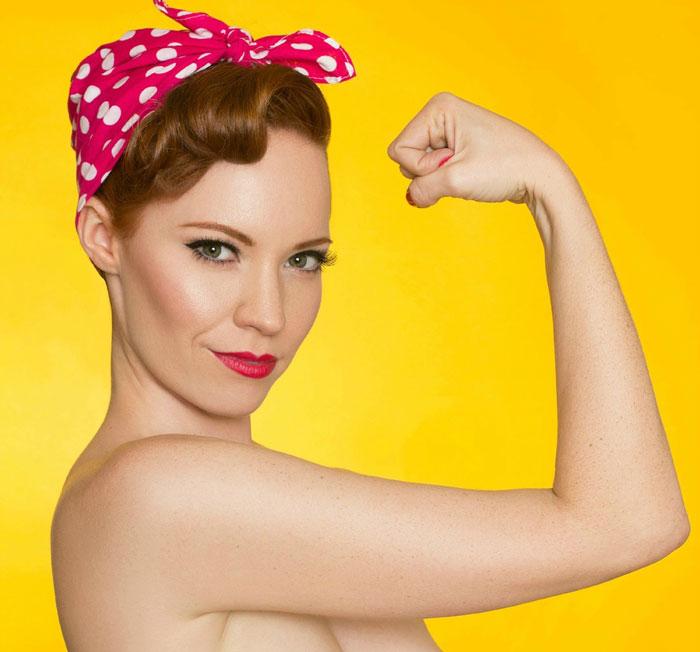 Esta mujer muestra cada fase de su mastectomía en una creativa sesión de fotos