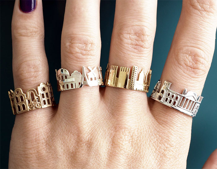 Con estos anillos arquitectónicos puedes llevar tus ciudades favoritas a donde quieras