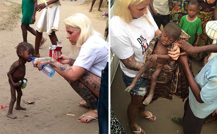 Desgarrador momento cuando le dan agua a un niño de 2 años abandonado para morir en Nigeria