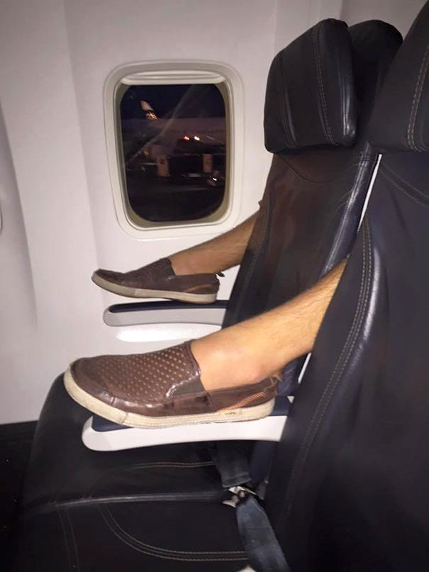 pasajeros-avion-maleducados (1)