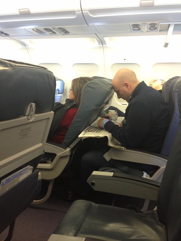 pasajeros-avion-maleducados (11)