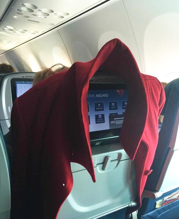 pasajeros-avion-maleducados (17)