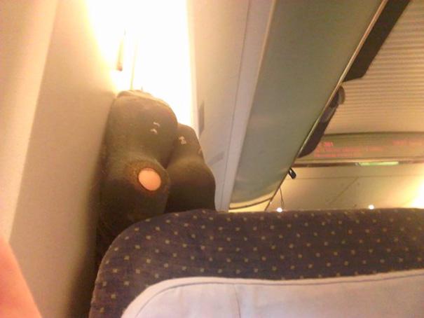 pasajeros-avion-maleducados (4)