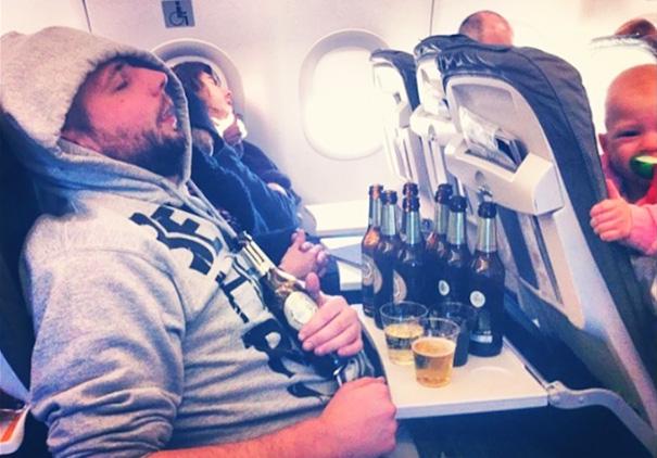 pasajeros-avion-maleducados (5)