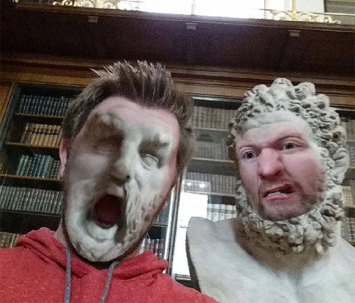 Mi amigo fue al museo y utilizó la aplicación de intercambio facial, los resultados son divertidísimos
