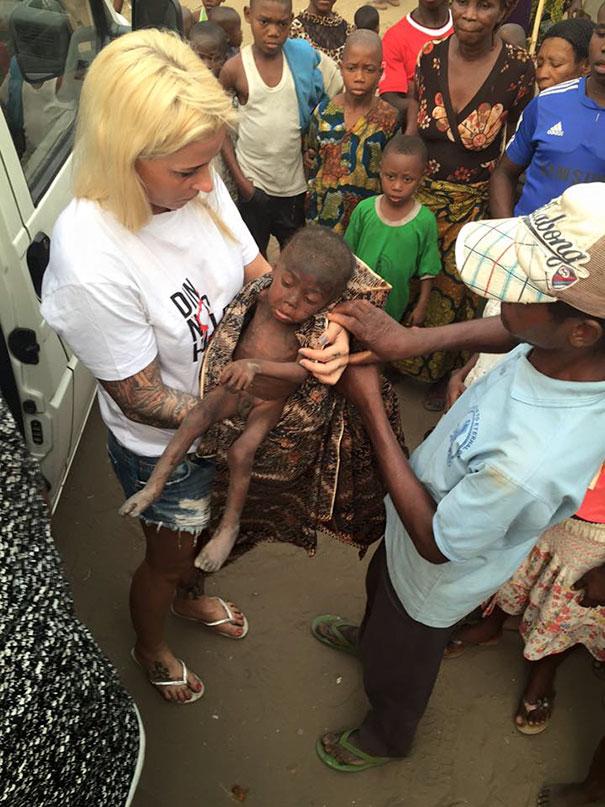 nino-nigeriano-abandonado-brujo-rescatado-hope-2 (5)