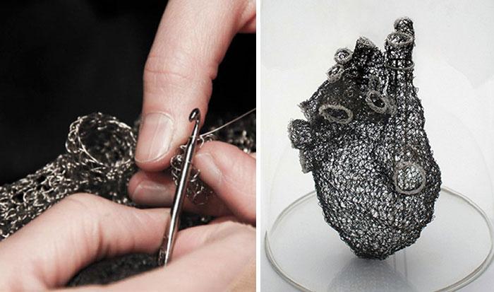 Esta artista pasó miles de horas haciendo ganchillo con alambre para crear un corazón anatómicamente correcto