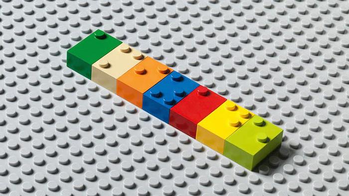 Estas innovadoras piezas en Braille tipo Lego ayudan a los niños invidentes a aprender a leer mientras juegan