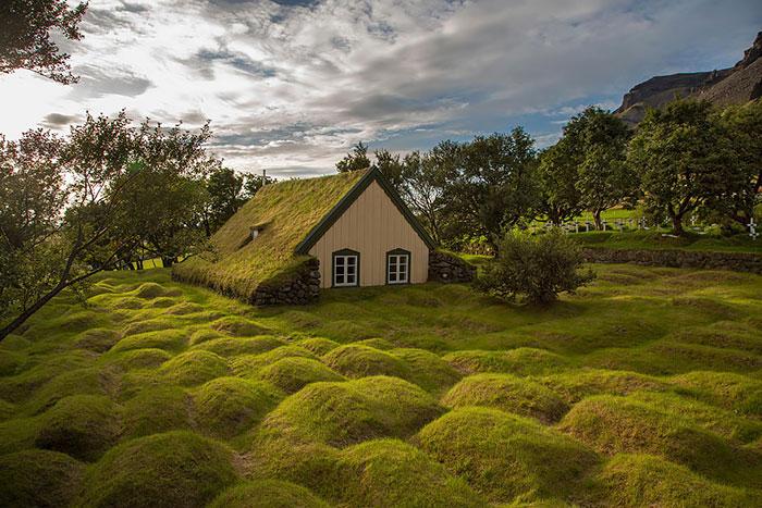 10 Casas escandinavas con tejados verdes salidos de un cuento