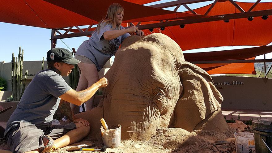 escultura-arena-elefante-raton-ajedrez-ray-villafane-sue-beatrice (8)