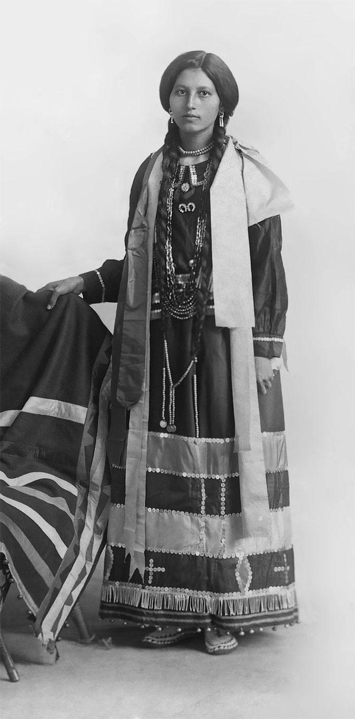 retratos-antiguos-chicas-nativas-americanas (1)