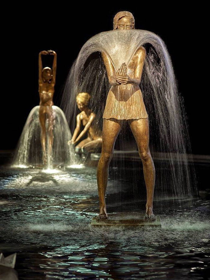 esculturas-bronce-fuentes-agua-malgorzata-chodakowska (3)