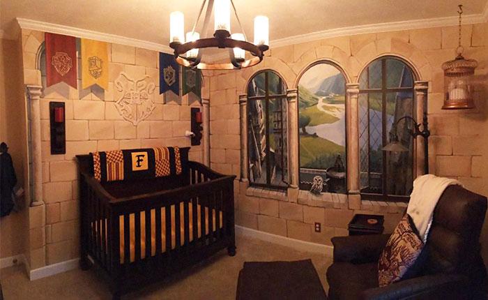 """Un padre crea un cuarto de bebé de """"Harry Potter"""" para su pequeño hechicero"""