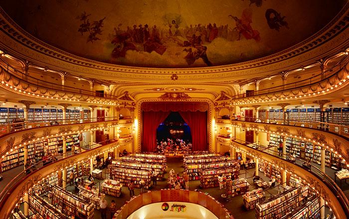 Este teatro argentino de hace 100 años ha sido convertido en una preciosa librería