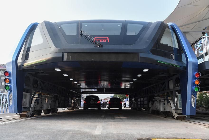 autobus-elevado-china-2 (4)