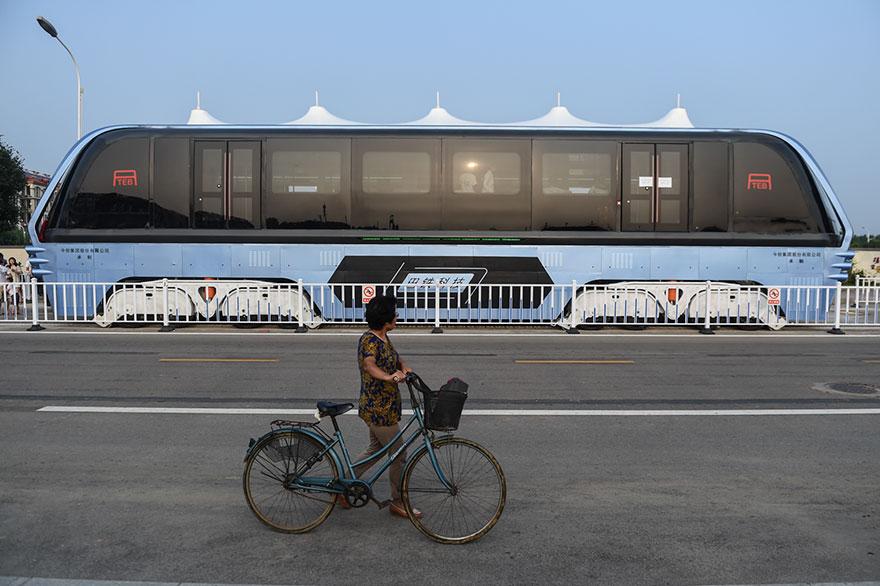 autobus-elevado-china-2 (5)