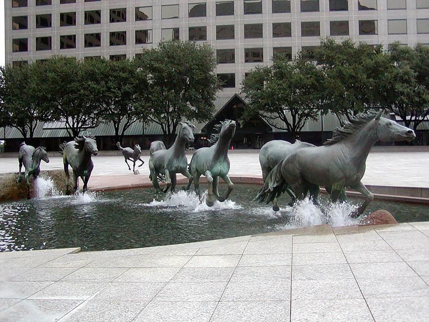 estatuas-esculturas-creativas-mundo-2 (1)