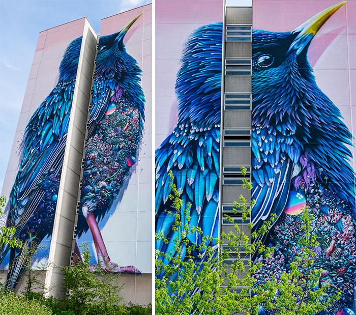 Este mural gigante de un estornino en Berlín está lleno de diminutas sorpresas