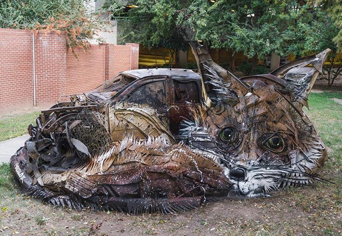 Este artista convierte la chatarra en animales para concienciar sobre la contaminación (2ª parte)