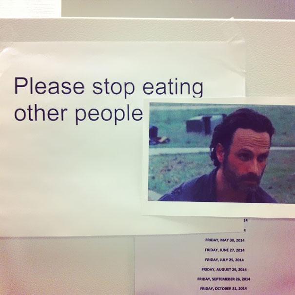 Por Favor, Dejad De Comeros A Otra Gente