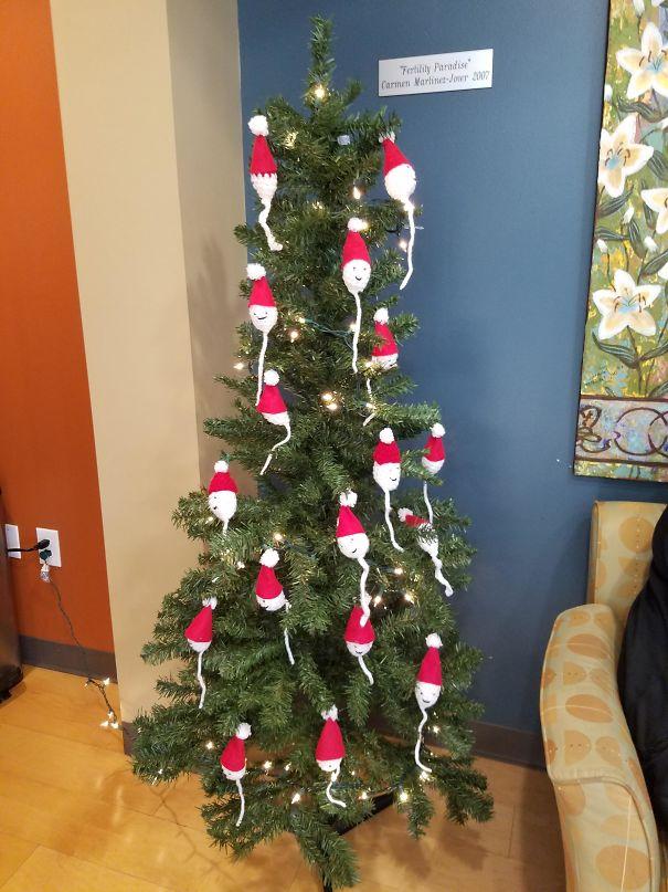 Árbol De Navidad En La Clínica De Fertilidad