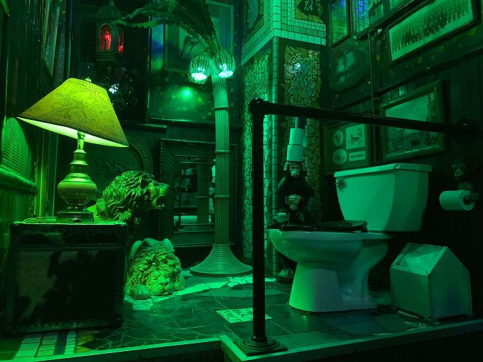 Cuarto De Baño En Un Bar