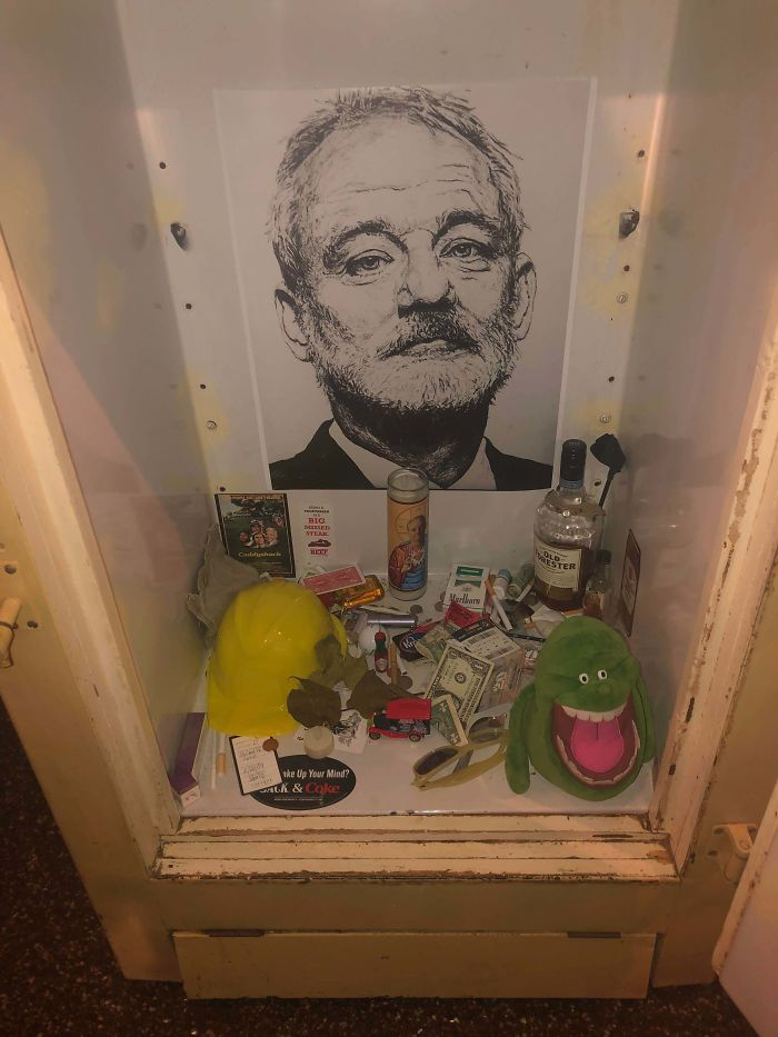 Este Bar Tiene Un Altar En Honor De Bill Murray