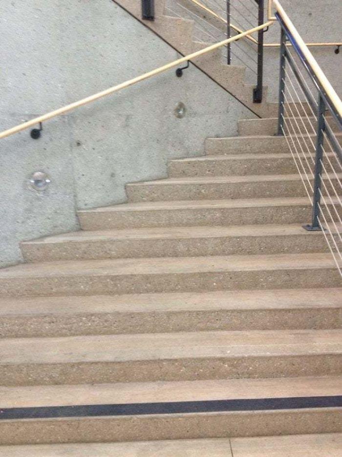 Escaleras A Ninguna Parte
