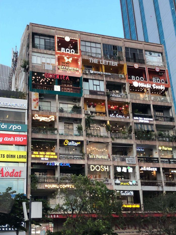 Este Antiguo Edificio De Apartamentos En Saigón Está Ahora Lleno De Restaurantes Y Boutiques